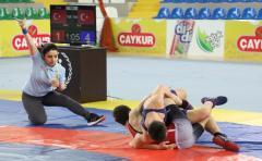 Anadolu Yıldızlar Ligi Serbest ve Grekoromen Güreş Türkiye Finali Rize'de Başladı